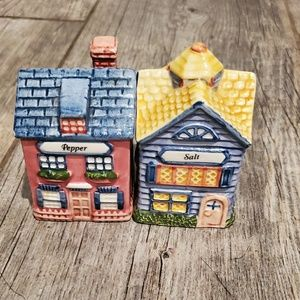 Vintage Avon Cottage Collection Salt/Pepper